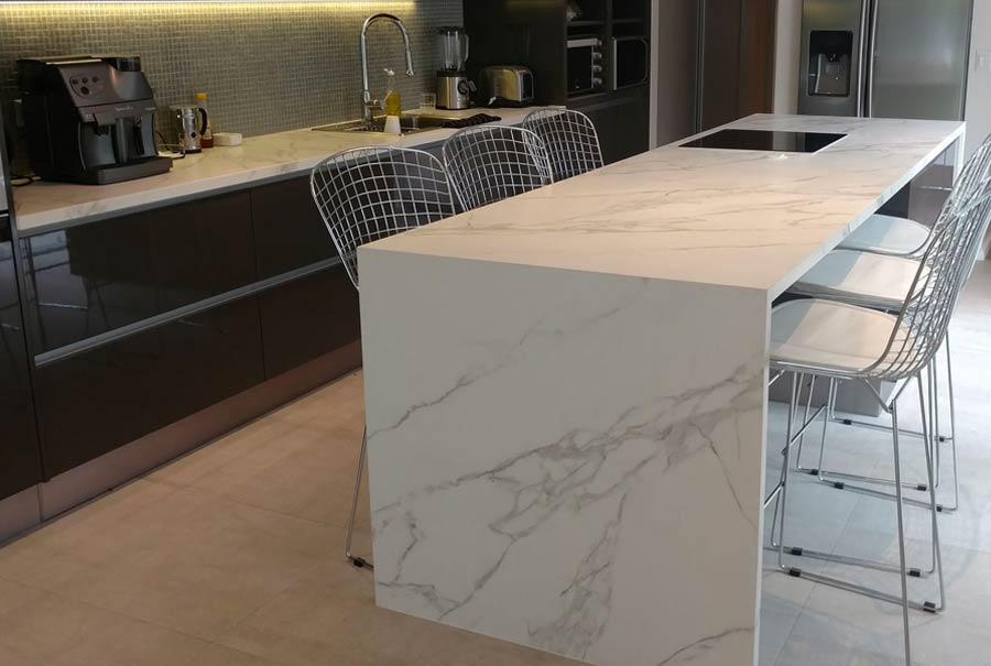 Marmol encimera cocina cool encimera y pared de granito for Encimeras de marmol