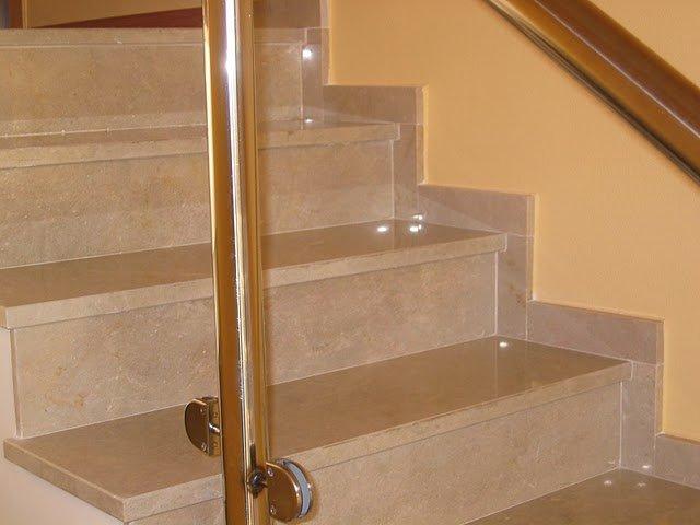 Escalera de mármol pulido 2