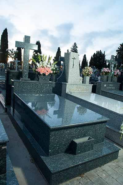 Lápidas cruces