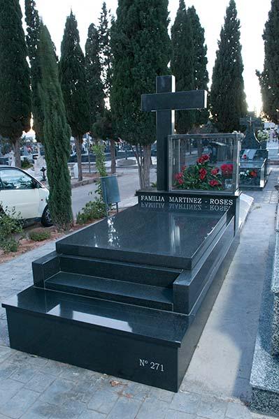 Arte funerario m rmoles naturalia for Cuanto cuesta el marmol
